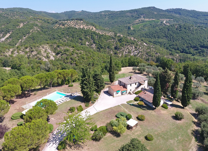agriturismo con piscina per vacanze in Umbria